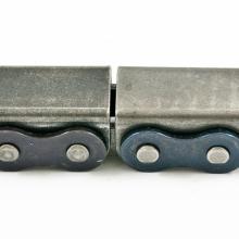 Łańcuch rolkowy jednorzędowy z mostkiem metalowym